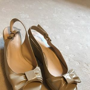 Franco Sarto Bow Wedges